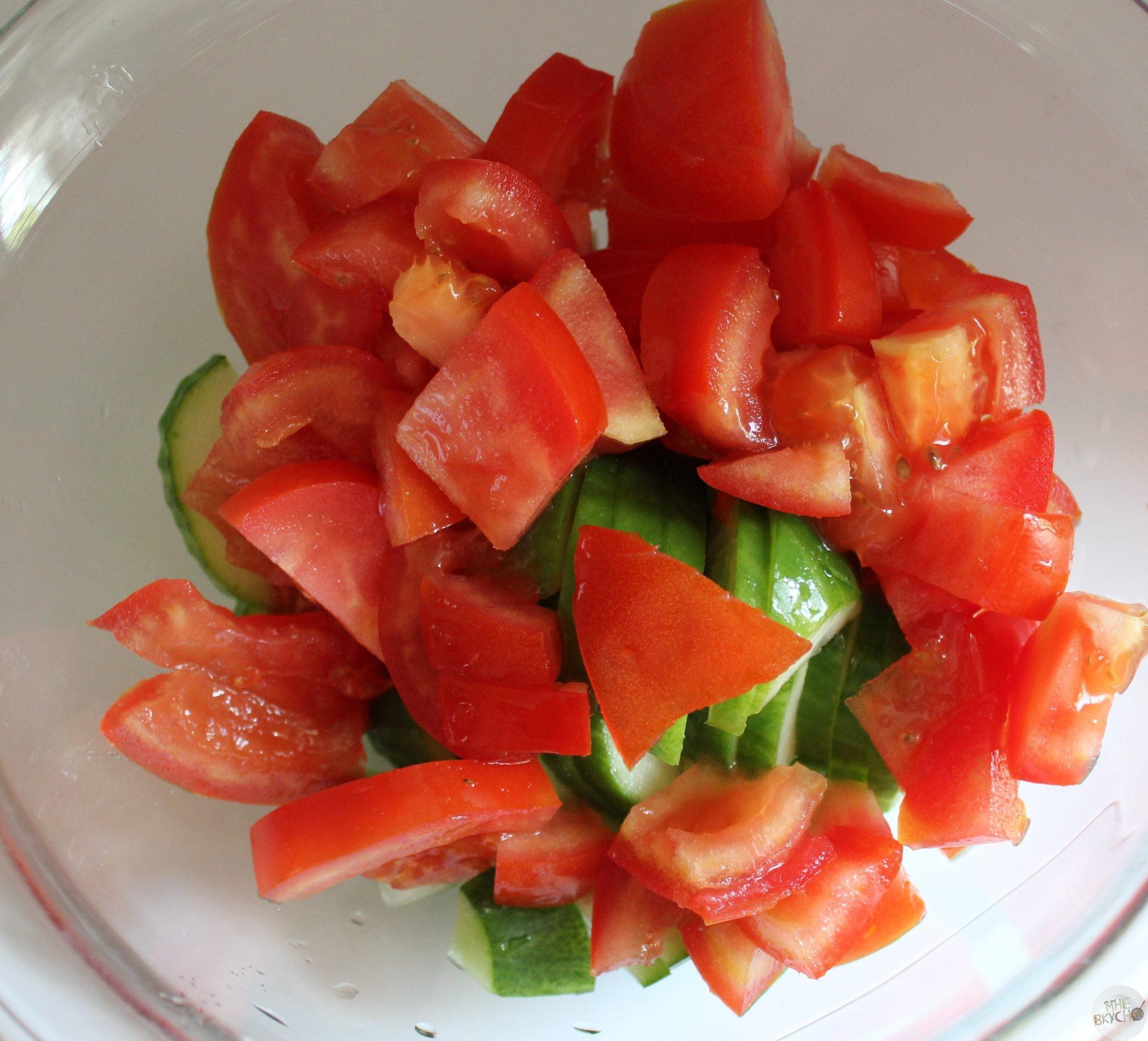 Салат для детей с сухариками