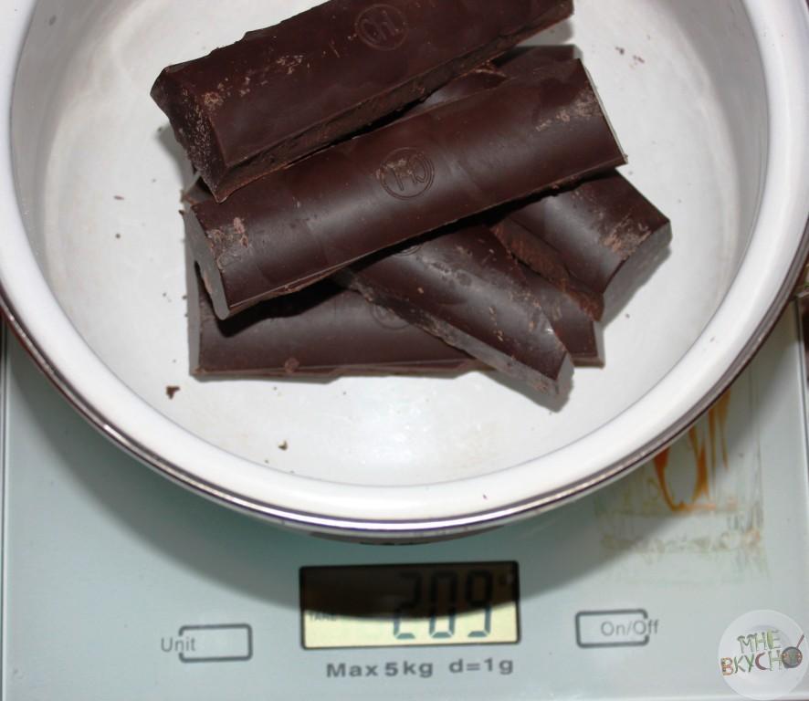 otvesit-kakao-tetoe-na-vesah