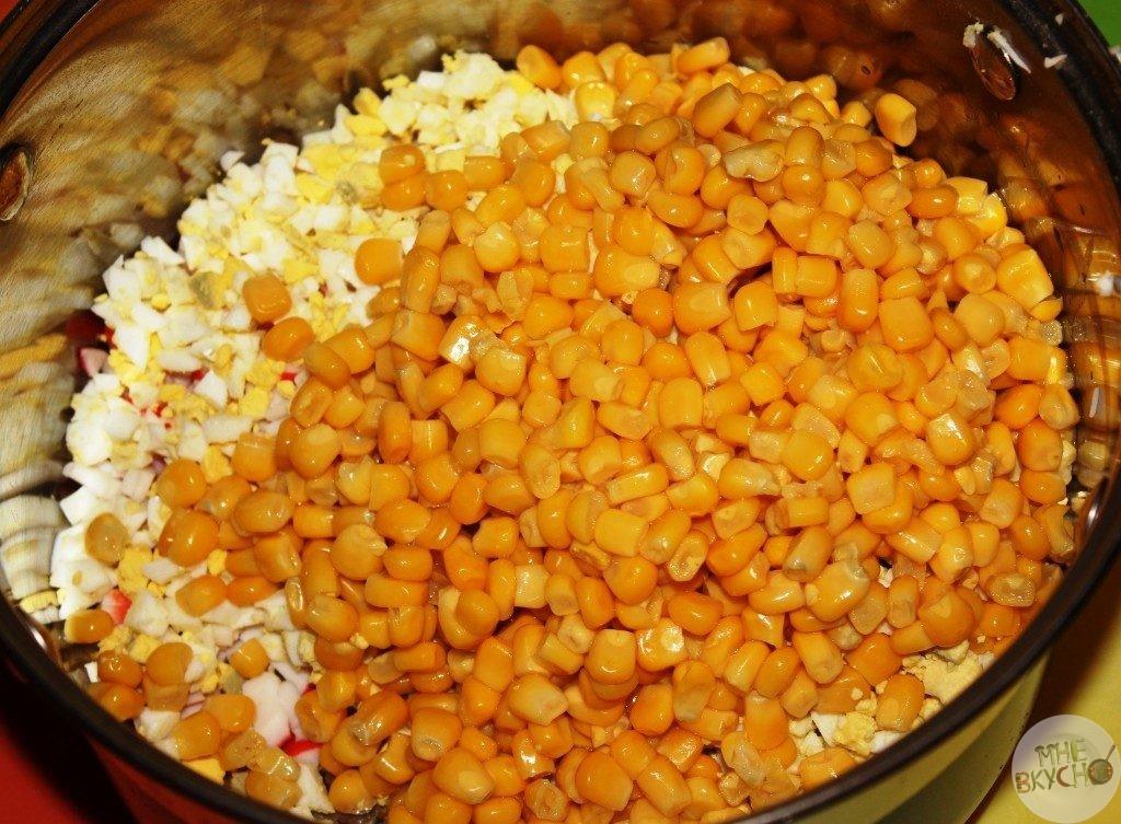 dobavlyaem-konservirovannuyu-kukuruzu