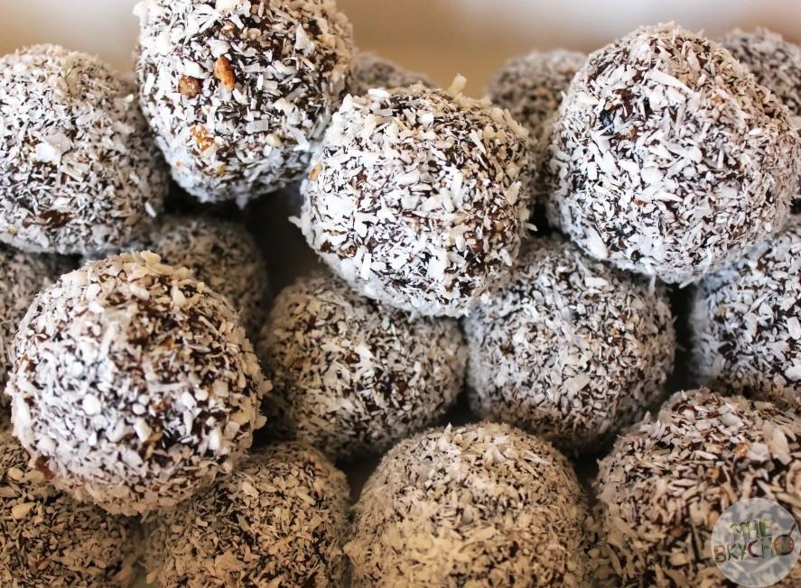 Рецепт сыроедческих конфет своими руками из сухофруктов с фото