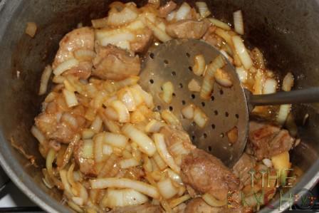 Настоящий узбекский плов из индейки в казане с чесноком - рецепт с фото