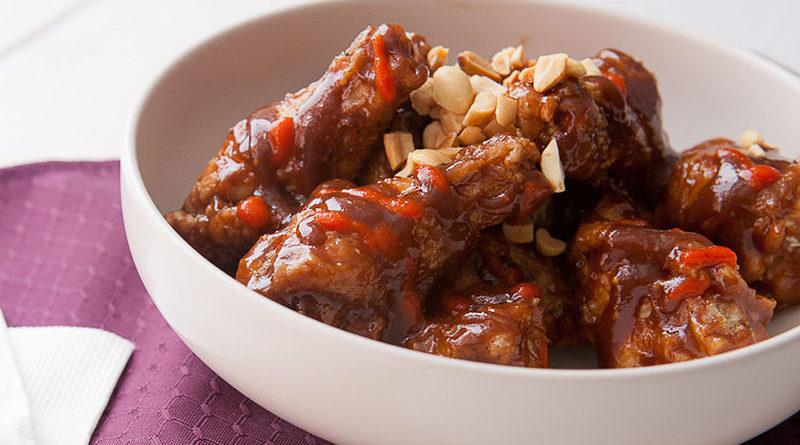 Куриные крылышки в духовке в орехово-соевом соусе: рецепт приготовления
