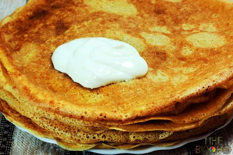 Рецепт тоненьких блинчиков с дырочками на кислом молоке