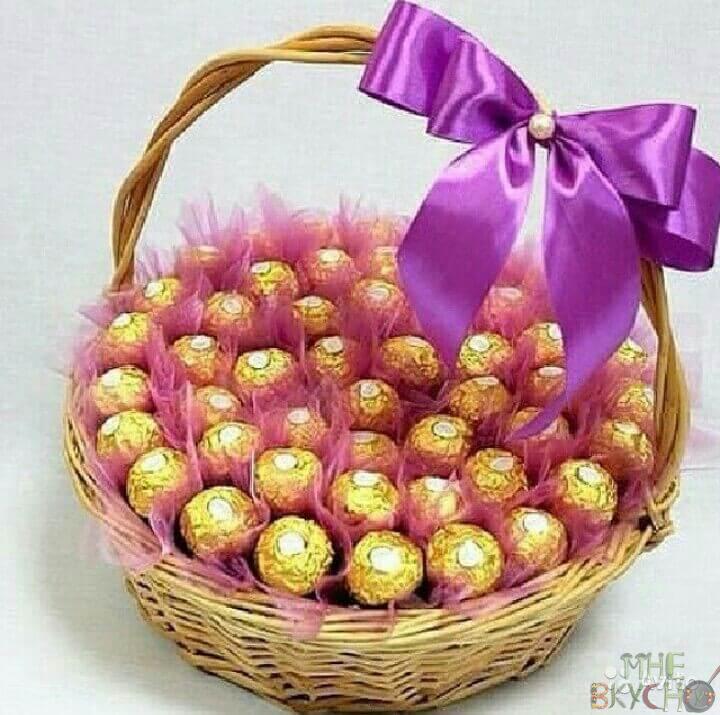 Поделки и букеты из конфет на 8 Марта и 23 Февраля своими руками. Идеи цветов из бумаги к праздникам 2018 года