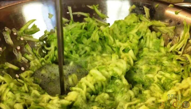 Кабачковые оладьи - быстрые и вкусные рецепты приготовления оладушек в духовке